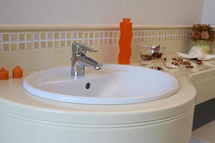 vanni-moyki-akril